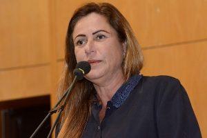 Cláudia Lemos defende valorização dos professores no Espírito Santo