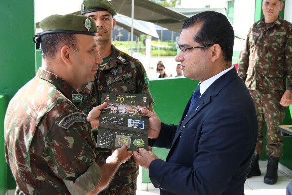Claudinei Marques é homenageado pelo Exército Brasileiro em Florianópolis