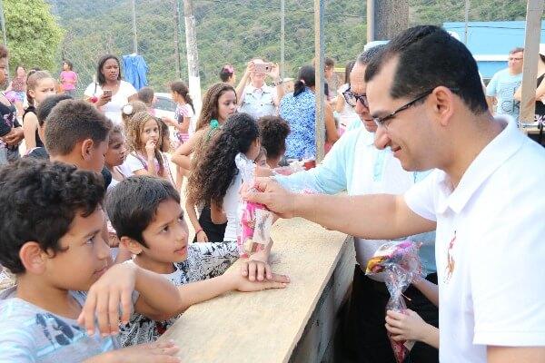 Claudinei Marques prestigia ação pelo Dia da Criança em Florianópolis