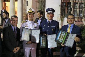 """Claudinei Marques é homenageado com diploma Amigo da """"Brigada Silva Paes"""""""