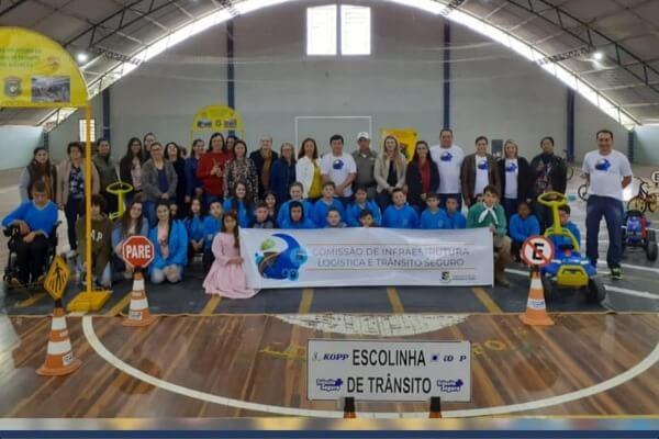 Claudinho Viana promove ação de educação no trânsito em Triunfo