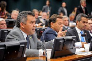 Comissão aprova projeto de Cleber Verde sobre recuperação de solo