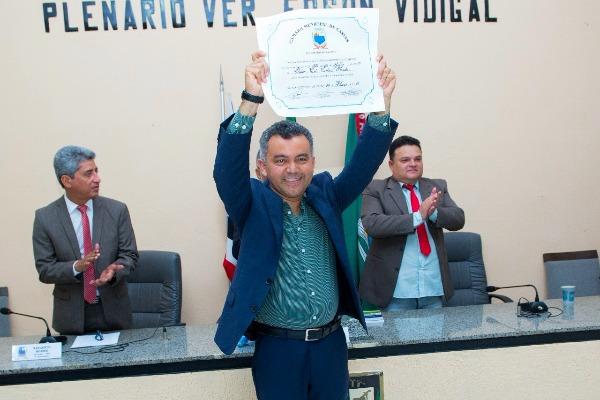 Vereadores concedem Título de Cidadão Caxiense ao deputado Cleber Verde