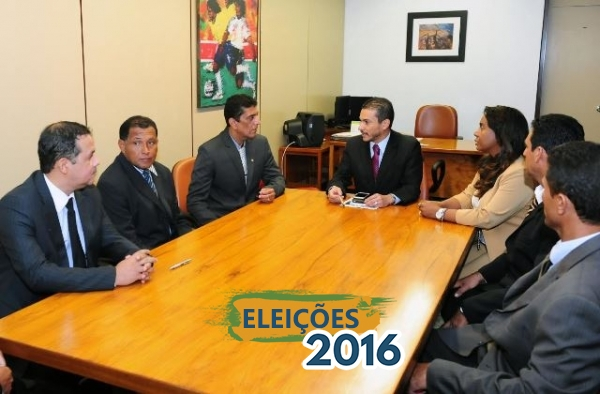 Comitiva de Pedro Alexandre é recebida pelo presidente Marcos Pereira e pela deputada Tia Eron em Brasília