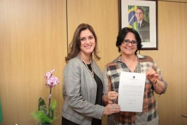 Cristiane Britto toma posse como secretária nacional de Políticas para as Mulheres