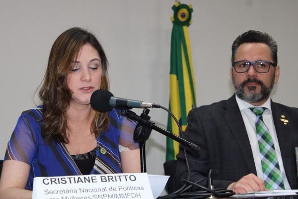 Cristiane Britto debate ações voltadas às gestantes vulneráveis
