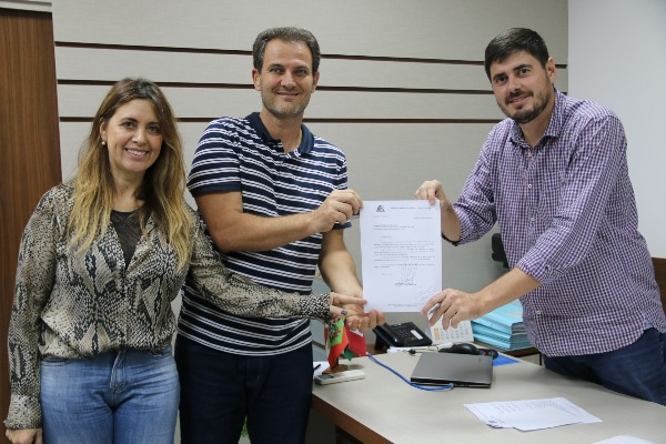 Câmara de São José (SC) capacitará servidores e vereadores em Libras