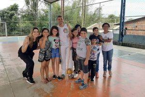 Cristina Sousa leva capoeira para bairros de São José