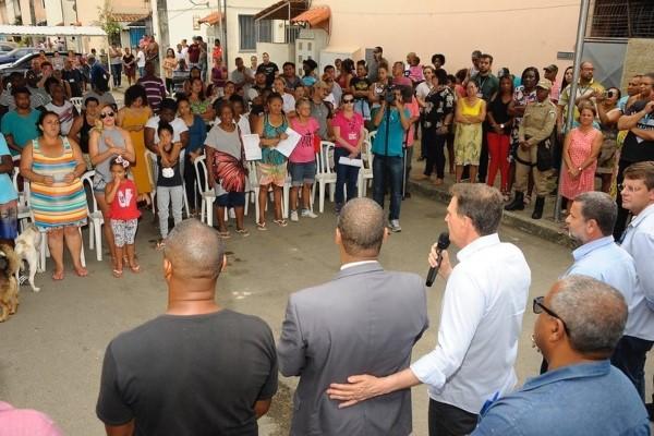 Crivella entrega RGI para 223 famílias em Campo Grande