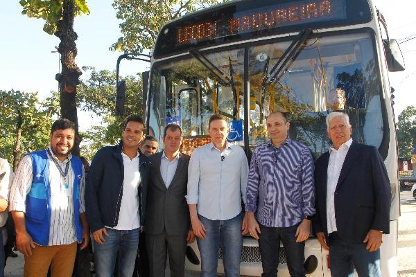 Crivella inaugura linha de ônibus que vai ligar Cidade de Deus a Madureira
