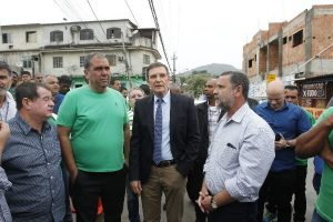 Crivella dá início a ações de zeladoria do Cuidar da Cidade em Santíssimo