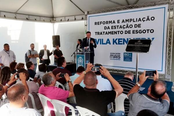 Crivella inaugura nova estação de tratamento de esgoto Vila Kennedy