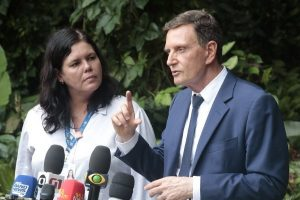 Crivella anuncia convocação de 301 médicos aprovados em concurso