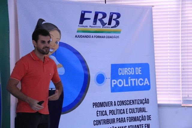 curso-de-politica-da-frb-movimenta-pre-feriado-na-capital-federal-foto-carlos-gonzaga-03-11-15-03