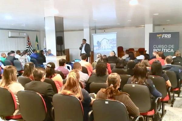 Presidente Prudente (SP) recebe Curso de Política da FRB