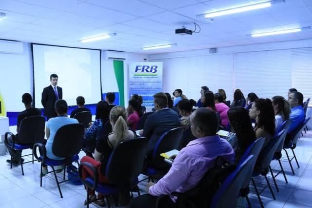 curso-politica-novas-turmas-idiomas-frb-foto-carlos-gonzaga-02-10-15-02
