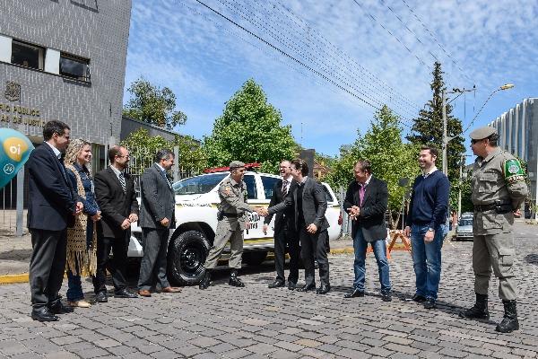 Prefeitura e MP entregam caminhonete para Comando Ambiental da Brigada Militar