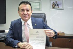 David Durand pede a compra de aparelhos de raio-X e ultrassom para hospital no Ceará