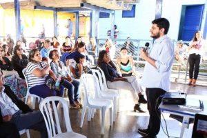 Projeto garante monitores para auxiliar estudantes com deficiência nas escolas do DF