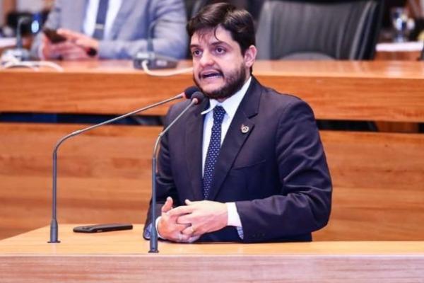 Delmasso comemora a criação de 1,4 vagas para agentes penitenciários no DF
