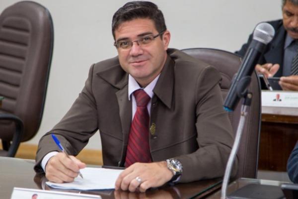Vereador Denis pede criação de banco de medicamentos em Itapevi (SP)