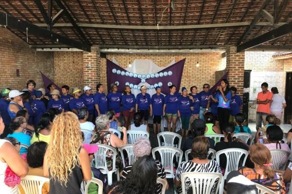 Denise Almeida comemora inauguração do espaço de hidroginástica em bairro de Olinda