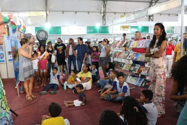 Denise Almeida participa de festival literário em Olinda