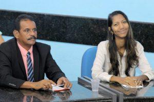 Denise Almeida vota a favor da redução de cargos na Câmara Municipal de Olinda (PE)