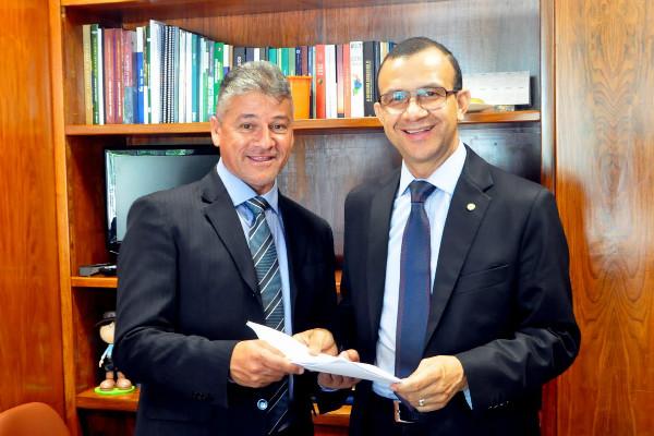 Deputado Carlos Gomes indica verba para a saúde de Tupanciretã