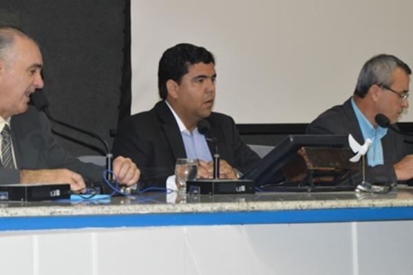 Devanir Ferreira colhe depoimentos de dirigentes de sindicatos na CPI dos Taxis