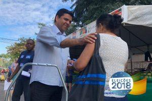 Devanir Ferreira Realiza caminhada em feiras da Grande Vitória