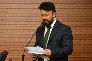 Anderson Veterinário quer implantar equoterapia em parque de Cubatão (SP)