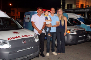 Prefeito de Aquidabã (SE) entrega 17 novos veículos para a Saúde do município