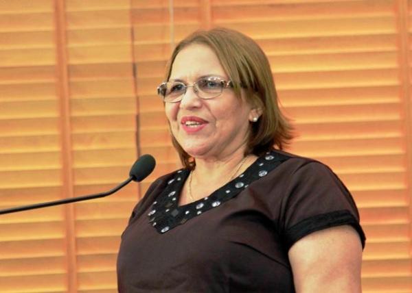 Doutora Juliana pede instalação de unidade do Procon em Cruzeiro do Sul