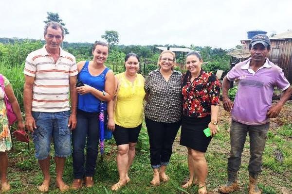 Doutora Juliana e Francisca Basílio visitam comunidade Ramal Paraíso em Acrelândia