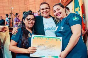 Doutora Juliana homenageia comunidade surda no Acre