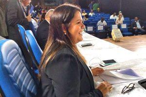 Dra. Cristiane Bacelar propõe a criação da Ouvidora da Mulher em Camaçari (BA)