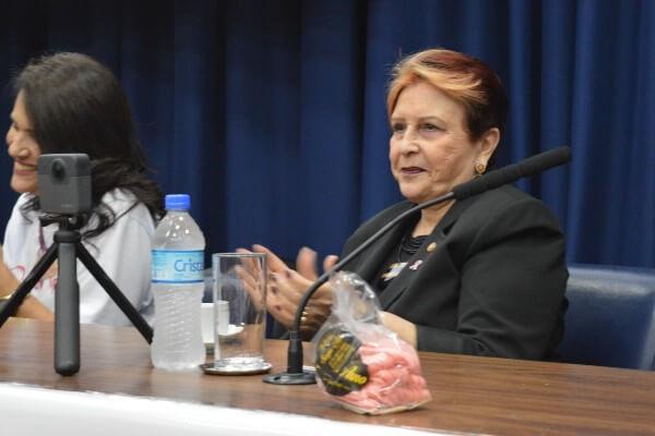 Edna Macedo celebra abertura do Outubro Rosa na Alesp