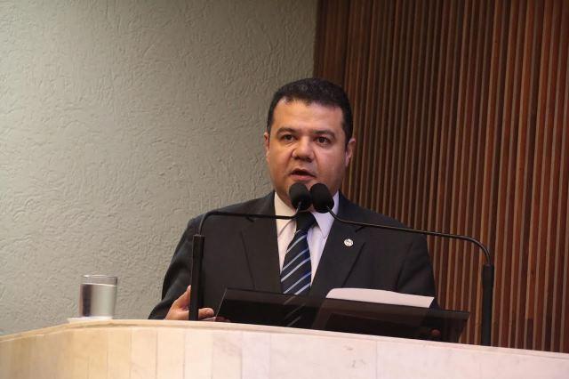 Edson Praczyk comemora 15 anos da Lei do Cheque Caução