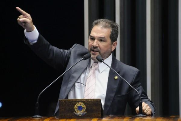Senador Eduardo Lopes defende intervenção federal na segurança do Rio