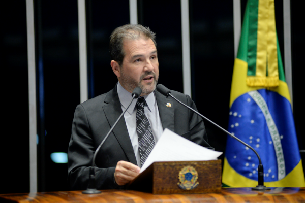Eduardo Lopes faz balanço das atividades parlamentares de 2017