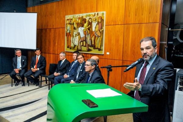 """""""Temos que repensar o Brasil que queremos para o futuro"""", afirma Eduardo Lopes"""