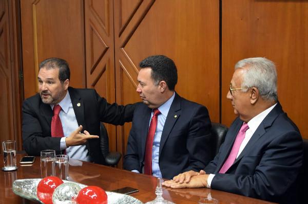 eduardo-lopes-prb-participa-da-posse-de-heleno-silva-como-representante-de-sergipe-foto-ascom-09-02-17