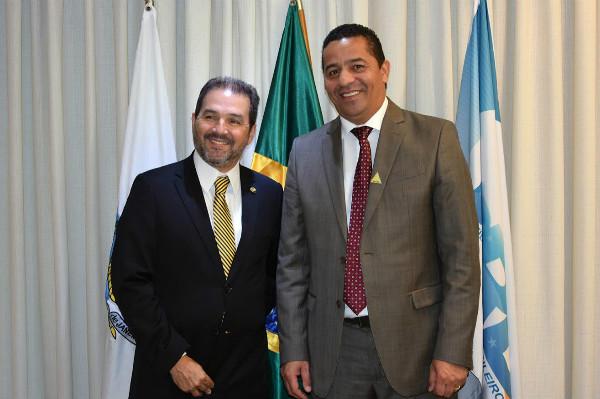 eduardo-lopes-prb-prefeito-zelito-conversam-sobre-projetos-para-guapimirim-foto-ascom-09-02-17-02