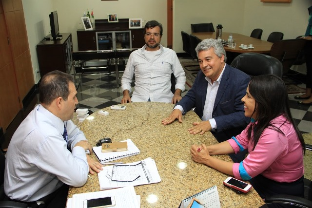 Eduardo Lopes recebe Fernando Gusmão, que pretende ser vereador pelo PRB