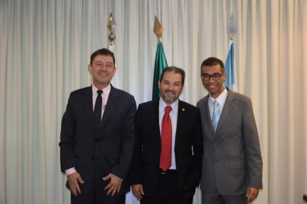eduardo-lopes-prb-recebe-prefeitos-de-tangua-e-itaborai-foto-ascom-10-02-17