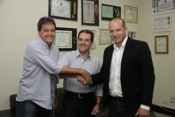 Presidente Eduardo Lopes recebe Delaroli, pré-candidato a prefeito por Maricá
