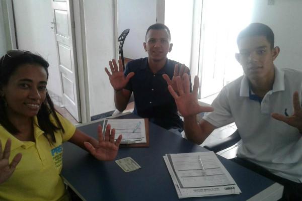 Jovens de Feira de Santana (BA) se filiam ao PRB