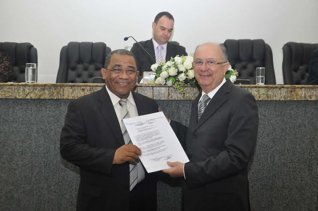 Eli Ribeiro é homenageado em Feira de Santana (BA)
