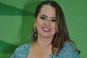 Eliana Morais quer o fim da cobrança por iluminação pública em Conselheiro Pena (MG)